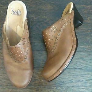 Soft tan leather studded heeled clogs size 9